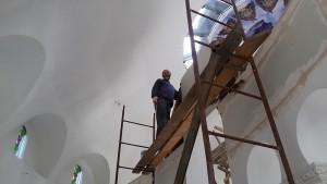 Отець Юрій зверху - трохи ближче до Господа