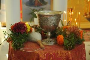 Чаша зі святою водою